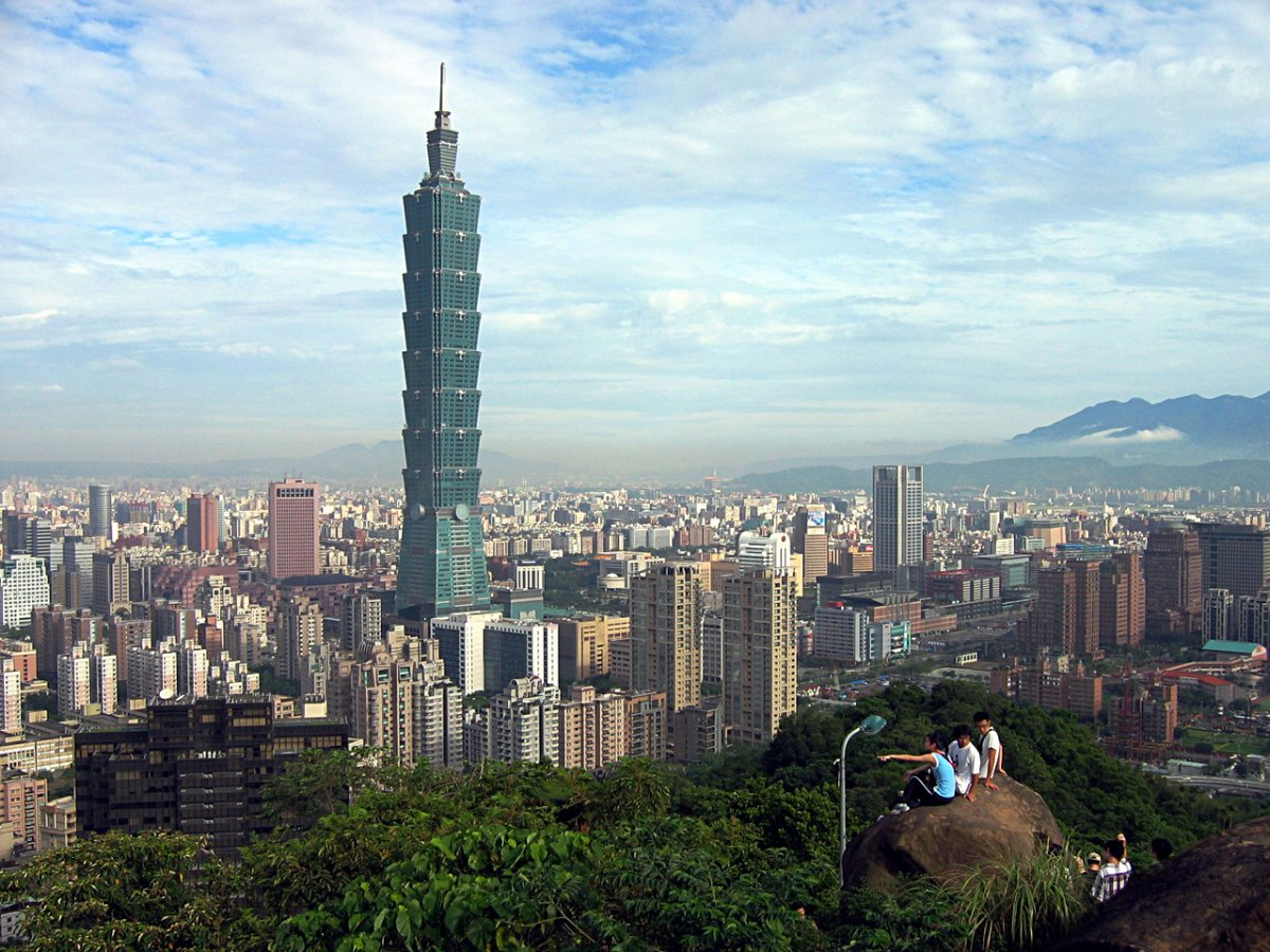 the difference of living in taipei