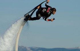 Вперед в будущее: создан ховерборд, летающий над водой