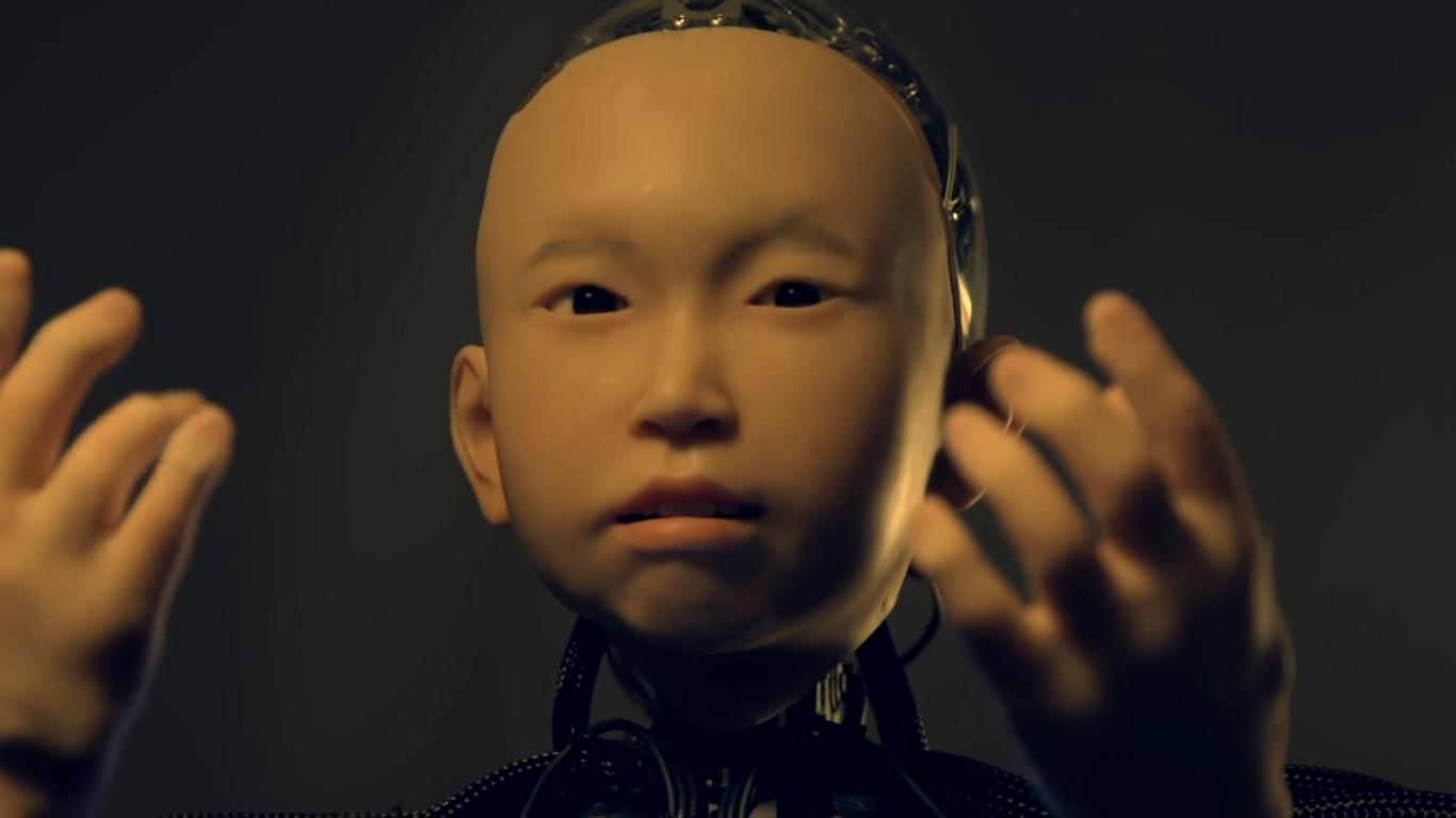 Видео: в Японии создали андроида с лицом 10-летнего ребенка