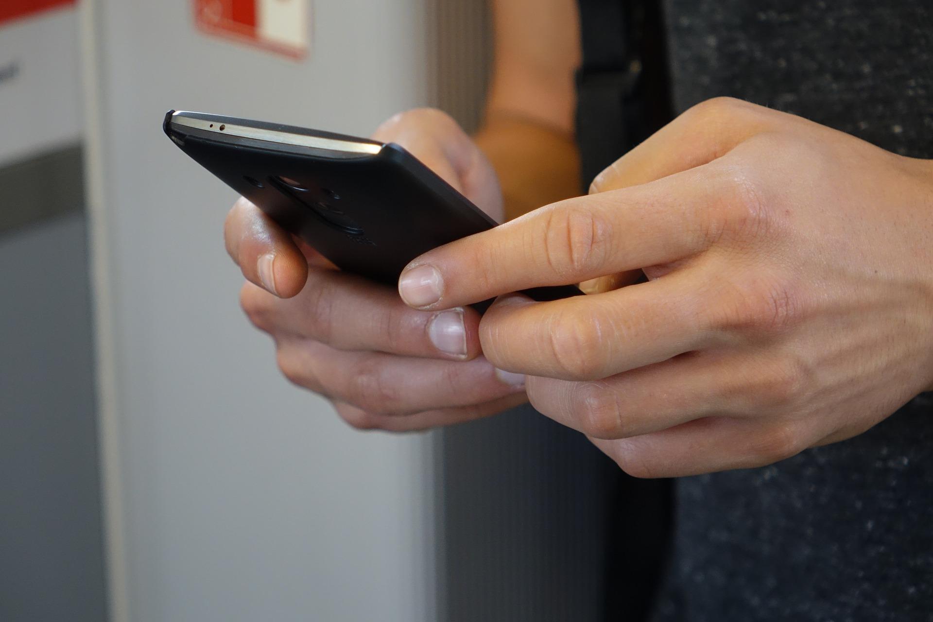 Приложение «Госуслуги» обогнало Telegram и WhatsApp и возглавило топ российского App Store