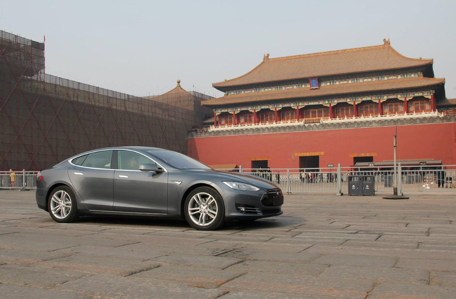 Tesla получила разрешение на строительство первого завода в Китае – WSJ