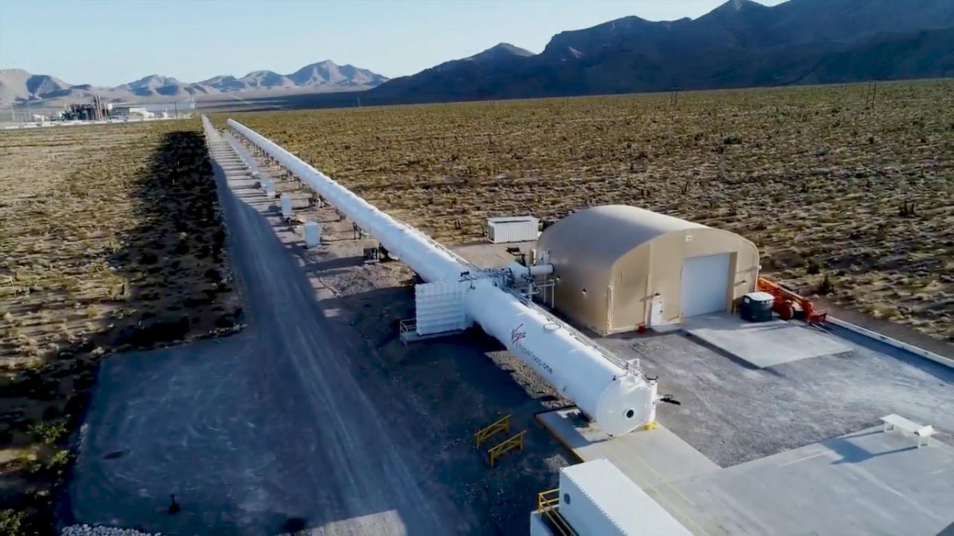 Видео: как сделать трубы Hyperloop прозрачными с помощью иллюзии