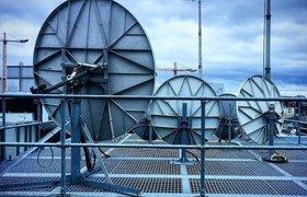 «Коммерсантъ»: Претензии ФСБ к спутниковой системе OneWeb грозят «Роскосмосу» миллионными убытками