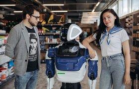 Один из крупнейших супермаркетов Армении взял на работу российского робота