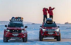 Проехались по льду Северного Ледовитого океана: русские исследователи на Toyota пересекли два полюса холода
