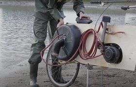 Изобретатель из Нидерландов добывает метан на болоте и заправляет им мотоцикл собственной разработки