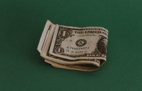 Курс доллара превысил 74 рубля впервые с 2016 года