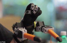 Ученые MIT разработали робота — дополнительные пальцы