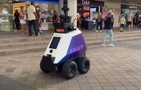 Центр Сингапура начали патрулировать роботы-полицейские