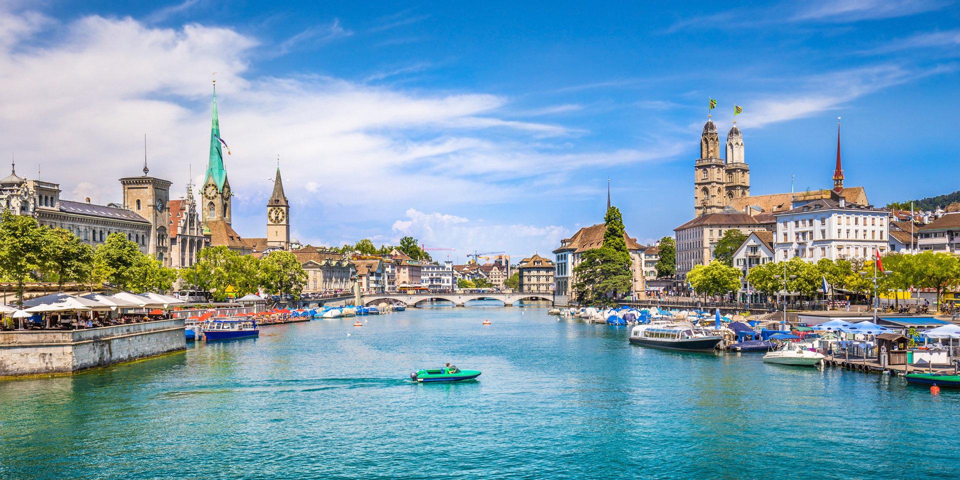 Названы 15 самых дорогих для проживания городов мира