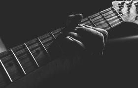 Студент ИТМО создал гитару, на которой сможет научиться играть любой человек