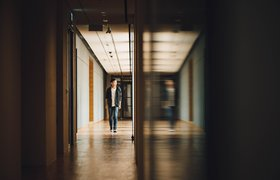 Госслужба или бизнес: куда идти молодому специалисту?