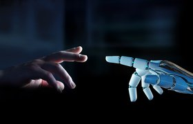 Мужчина с диагнозом БАС построил себе робота-помощника