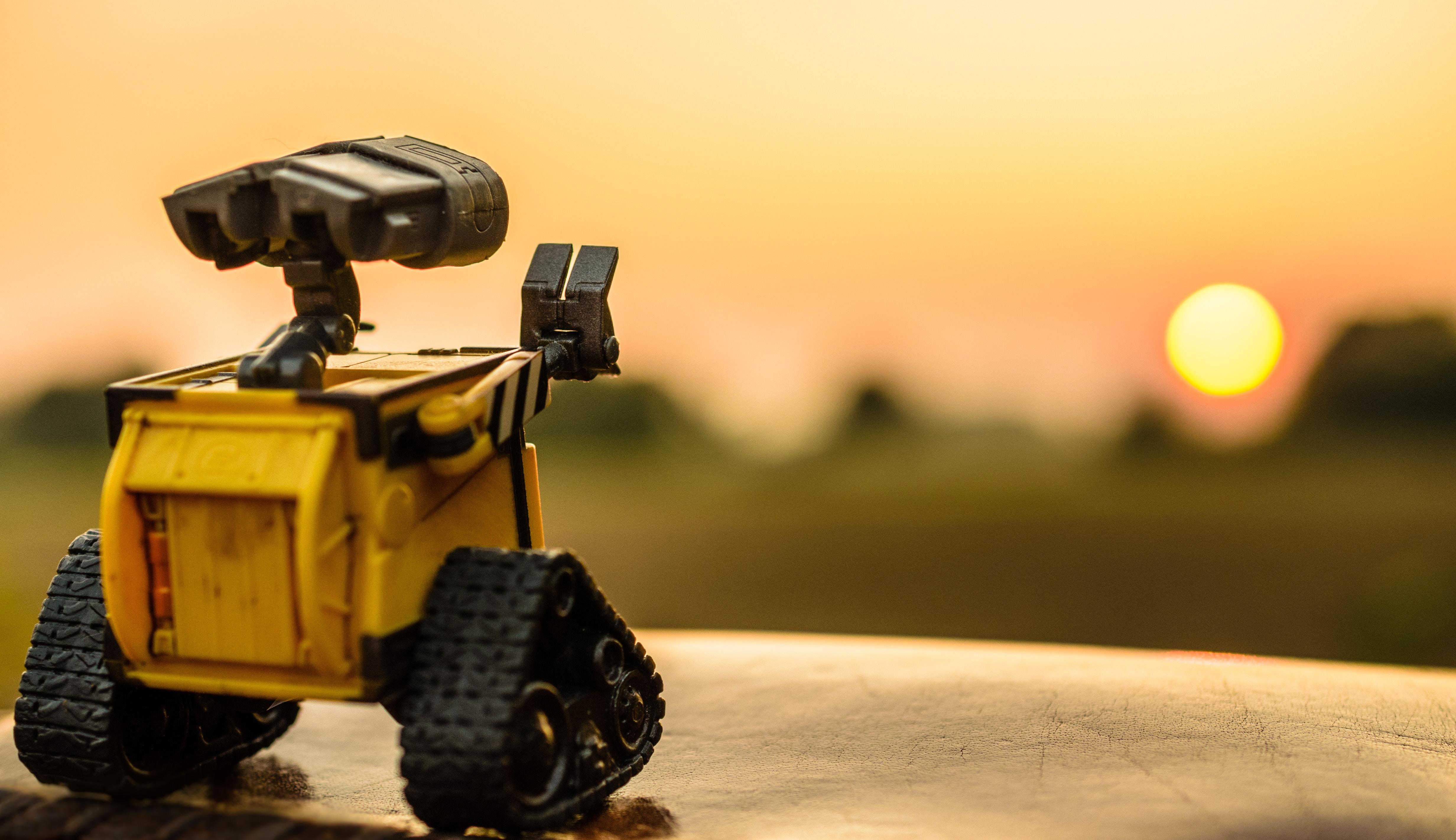 Как роботы помогают контролировать сотрудников, работающих вне офиса