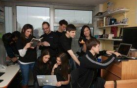 """Исследование: Профессия """"программист"""" оказалась самой перспективной по мнению молодежи"""
