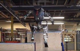 Видео: гуманоидный робот Boston Dynamics научился выполнять трюки из паркура