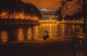 В Париже откроется первый плавучий кинотеатр