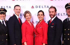Delta Air Lines предложит почти $10 тысяч за отказ от места в переполненном самолете