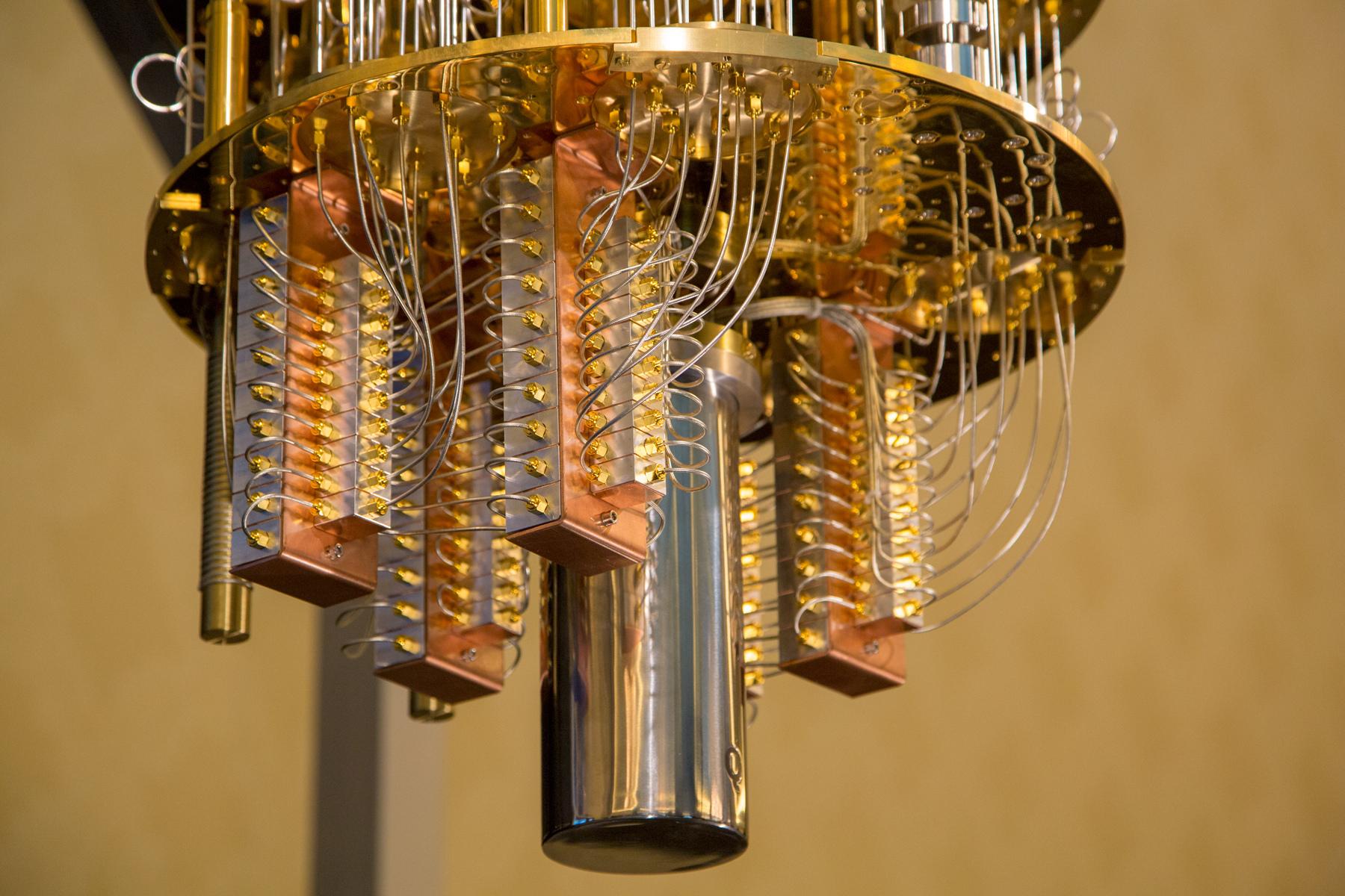 Фото дня: квантовый компьютер на 50 кубитов с выставки CES