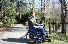 Как россиянин изобрел самую легкую электроприставку к инвалидной коляске и запустил продажи в 15 странах
