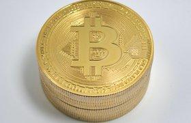 Стоимость биткоина впервые за год достигла $12 тысяч