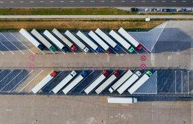 Названы сроки появления беспилотных грузовиков на российских дорогах