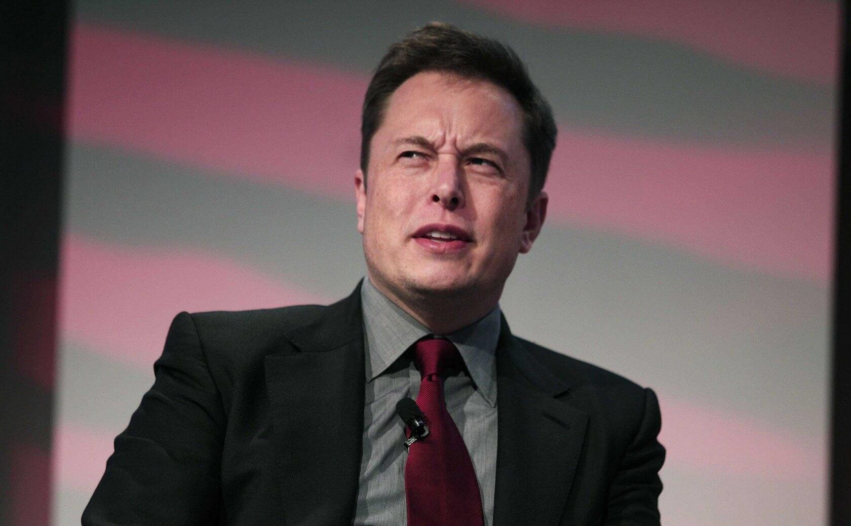 Экс-технолог Tesla обвинил компанию в использовании старых деталей и обмане инвесторов