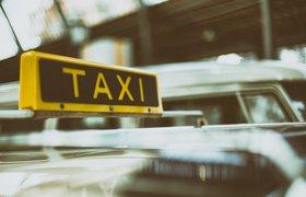 Минцифры решило обязать водителей каршеринга и такси сдавать биометрию