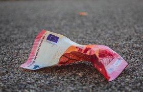 Опрос: четверть россиян больше не доверяет валютным вкладам