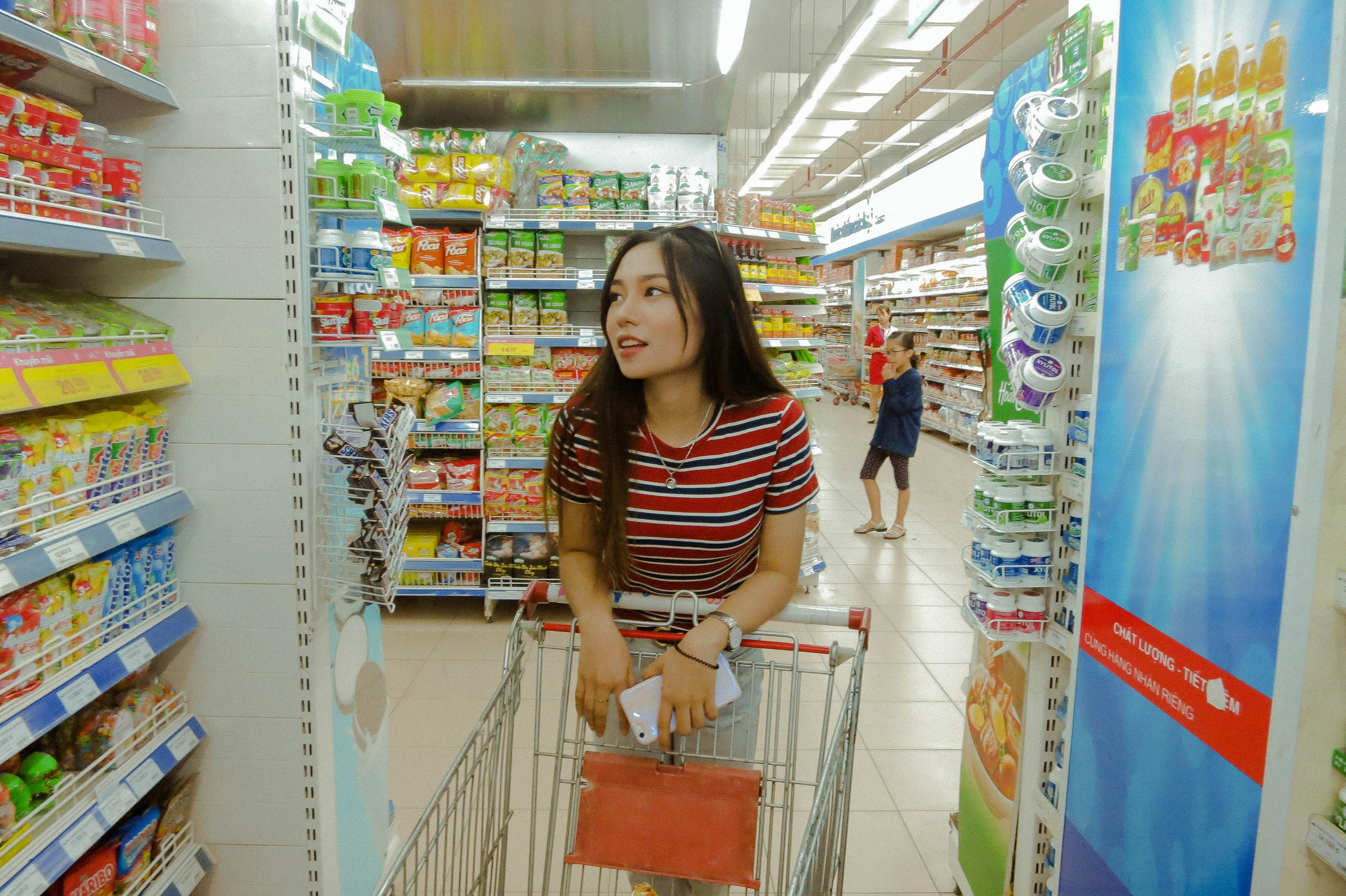 77940313429 Почему доставка продуктов питания из магазинов не пользуется особым спросом