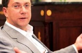 Сенатор Вавилов перебирается на Запад с российскими деньгами