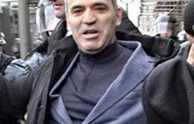 """Каспаров хочет стать """"другим"""" президентом"""