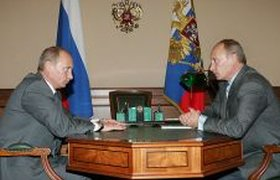 В.В. Путин разговаривает с преемником