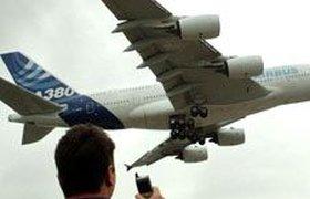 А380 совершил первый полет