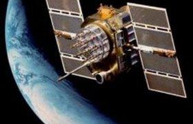 Американский спутник-шпион падает на Землю