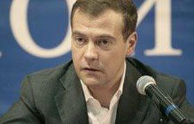 Инопресса: Медведева учат копировать манеры Путина