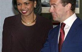 Министра обороны США очень удивил тон встречи с Медведевым