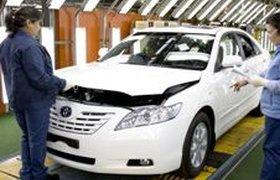 Toyota снижает цены на Camry