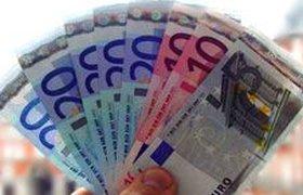 В марте нужно было инвестировать в жилье и евро