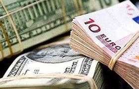 Слухи о деноминации в России спровоцировали спрос на валюту