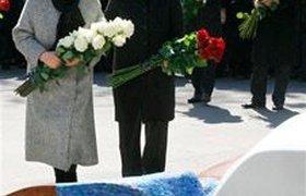 Путин и Медведев открыли памятник Ельцину. Фоторепортаж