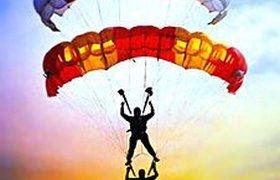 СК «Прогресс-Гарант» готова застраховать даже парашютиста на мотоцикле