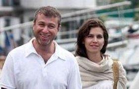 Роман Абрамович женится на третьей жене шесть раз