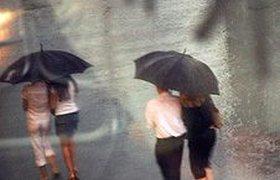 Дождливый уик-энд в Москве: затмение, день ВДВ и кинопремьеры