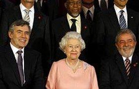 Замечания Елизаветы II в адрес Берлускони стали хитом YouTube