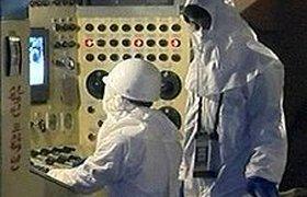 Северная Корея напомнила про ядерный реактор и угрожает оружием