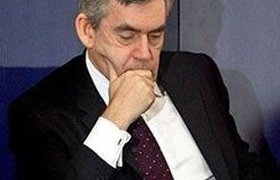 Британскому премьеру Гордону Брауну грозит отставка