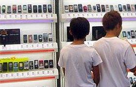 Продажи мобильников в России за полгода упали на 36%