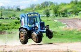Германская полиция 40 минут преследовала угнанный трактор