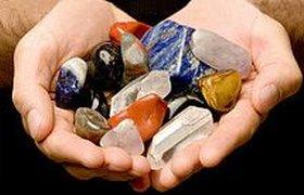 "Глава ""Легкокредита"" из-за кризиса ""влюбился"" в драгоценные камни"